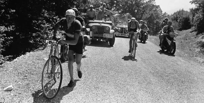 Bartali e Coppi sul Mont Ventoux nel Tour del 1952 (l'Equipe)